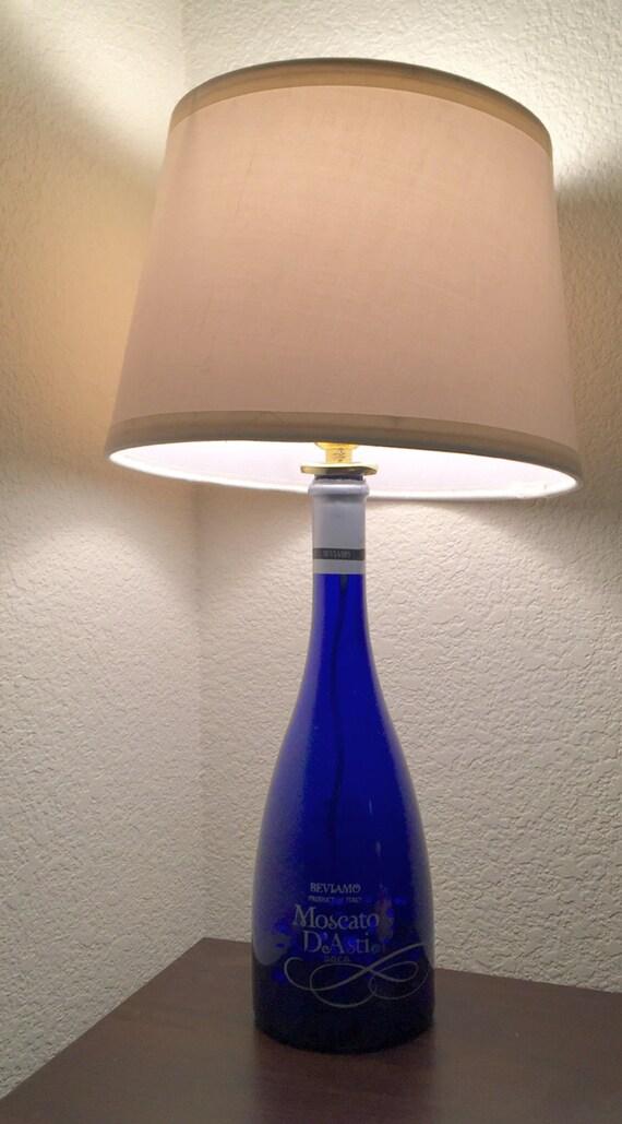 moscato flasche lampe. Black Bedroom Furniture Sets. Home Design Ideas