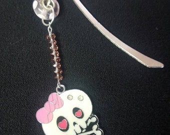 Little cute skull bookmark