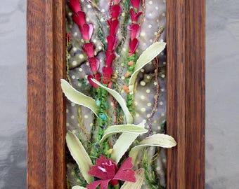 "Framed Flower Fiber Art, Upcycled Framed Flowers, Choice of Red or Purple, Framed Art Quilts, Home Decor, Gift Idea, 15"" x 5"""