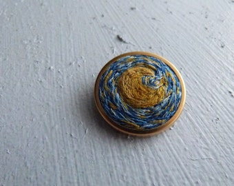 Round Vintage Brooch Moon Vincent van Goghs Starry Night Handembroidered Pin