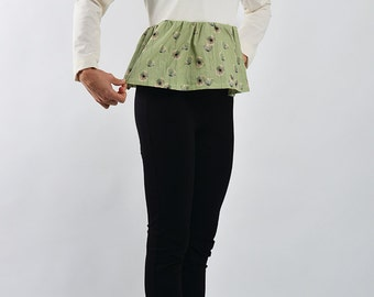Cotton Blouse with flower flounce