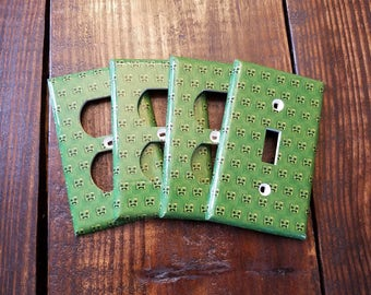 Minecraft Light Switch And Outlet Covers | Creeper - Set of 4 -  Creepers - Minecraft Decor - Minecraft Bedroom - Creeper Decal - Video Game