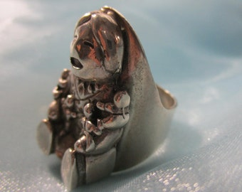 Vintage, Native American Indian, Navajo, Sterling  Silver Storyteller Ring