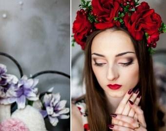 Red Roses flower crown Flower crown  Flower hair wreath Bridal headband Floral crown Wedding flower crown  Flower halo