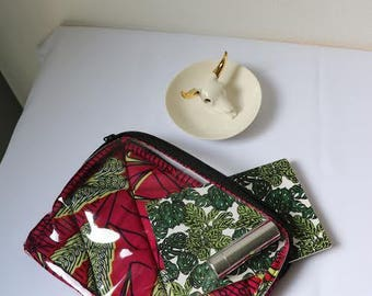 Wax and transparent Gora pouch
