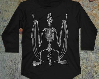 Bat Skeleton Men's Raglan Baseball T-Shirt, 3/4 Sleeve Black Tee, Gothic Shirt