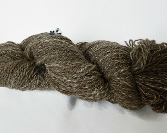 Thread spun hand BFL wool Brown silk, and 120g / 290 m