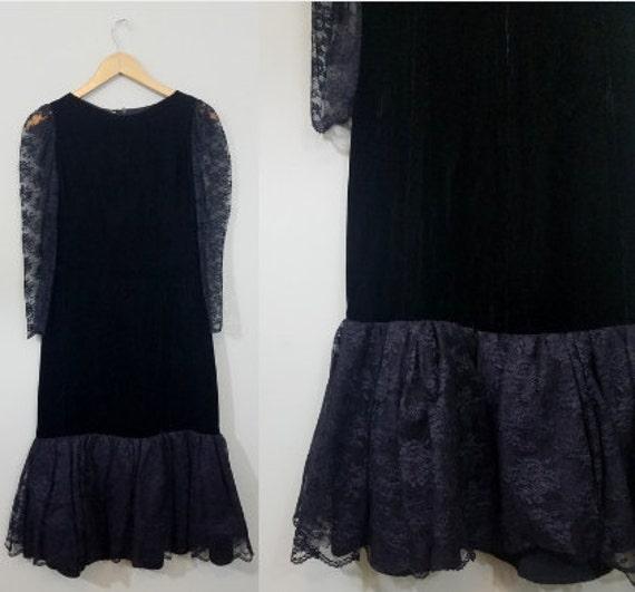 1980s Black Velvet and Lace Cocktail Dress / Sheer Lace Sleeves / Drop Waist, Flounce Hem / Modern Size XXS, Extra Small
