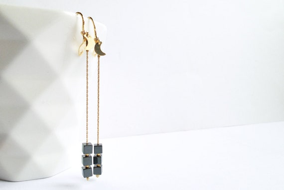 Long earrings black stone beads shiny hematite, little Moon, plated GOLD 14 Carat sober modern minimalist graphics