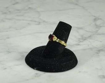 Garnet Heart 10K Gold Ring ( size 5.5)