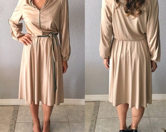 1970's Tan Disco Long Sleeve Midi Dress with Green Piping Accents by Bleeker Street