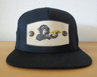 Pet black-print: Monkey with banana