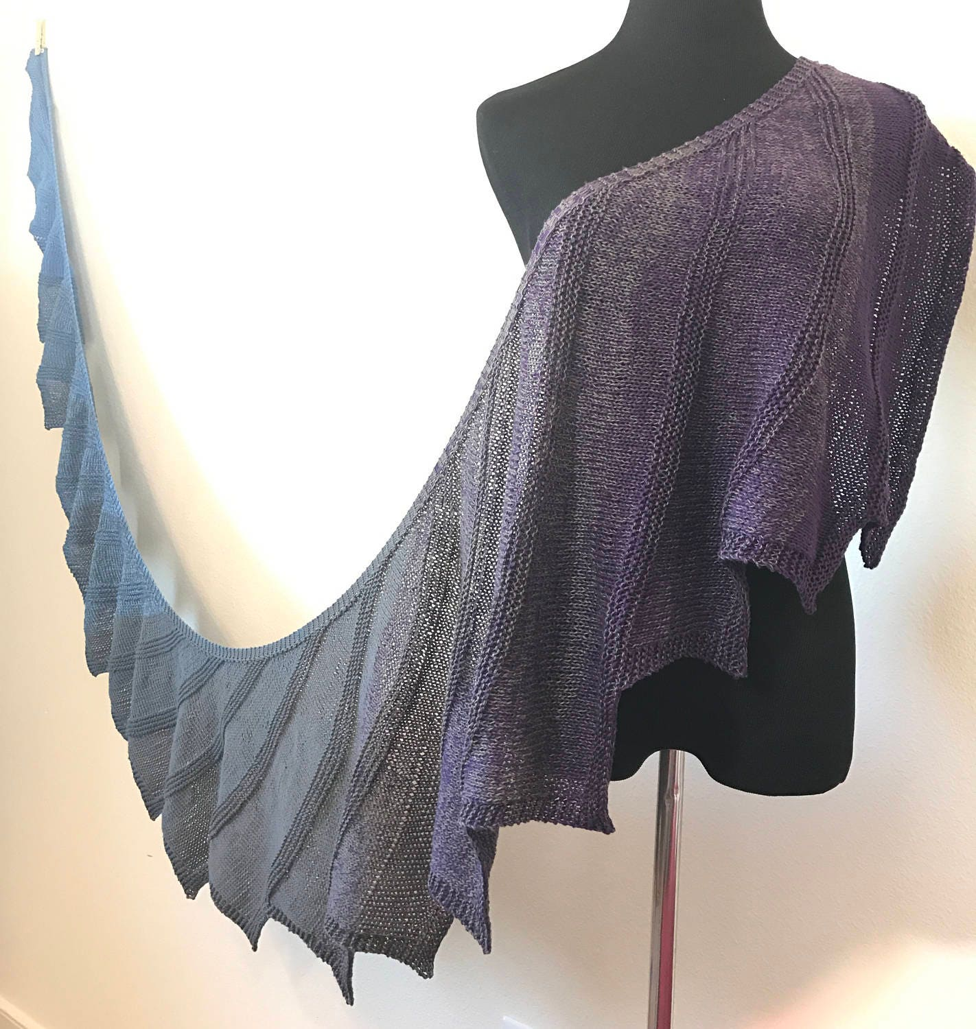 Short row knitting pattern featuring ombre gradient and variegated this is a digital file bankloansurffo Images