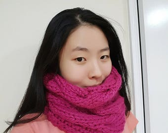 Bright Pink Chunky Cable Cowl