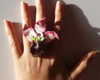 orchid flower ring in fabric hand-painted floral nature-inspired handmade botanical jewel ilenia sara