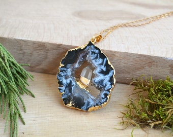 Raw Crystal necklace Gift for her geode agate necklace agate slice necklace Gift For Women Bohemian Gemstone necklace statement necklace
