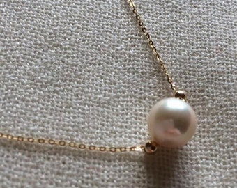 Genuine hallmarke18ct/18k yellow gold 8-8.5mm Akoya pearl necklace 44cm