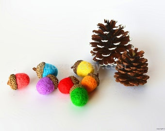 Set of 7 Handmade Needle Felted Acorns in Rainbow Colors, Christmas Decoration, Valentines gift, Fall and Thanksgiving