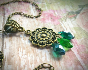 Glass Bead Necklace / Victorian Necklace / Bead Necklace / Bronze Necklace / Vintage Necklace