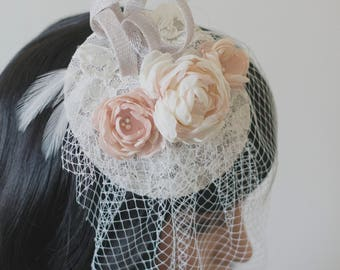Bridal fascinator | Bridal headpiece | Wedding fascinator | Bride headpiece | Blush fascinator | Fabric flowers fascinator | Bridal hat