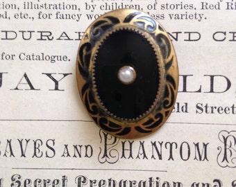Art Deco/Art Nouveau vintage black glass pearl dress clip
