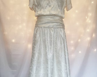 Vintage 1940s Wedding Dress - Ivory Dress with Lace  - 40s Wedding Gown with Short Sleeves - Modest Wedding Dress - Ivory & Blush Pink Lace