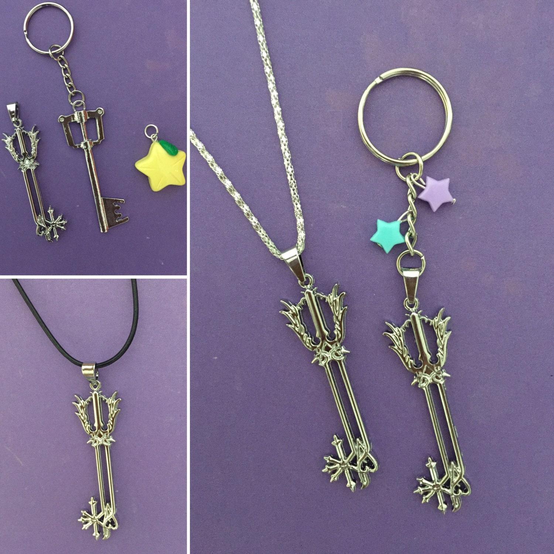 kingdom hearts keyblade necklace kingdom hearts by mikarya