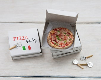 Miniature doll house 1:12 scale ham and pepperoni pizza