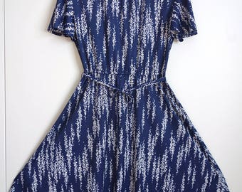 Amazing Vintage 1970s Navy White Dress 12 Bell sleeves