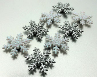 Snowflake Magnets in Decorative Tin | Set of 8 | Super Strong | Fridge Magnets | Christmas Decorations | Silver Magnets | Glitter Magnets