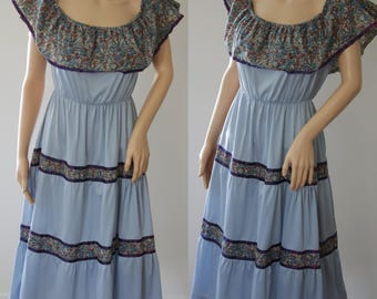 Cute 70s Summer Dress