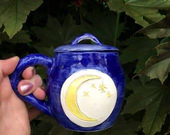 Magic cauldron tea mug in ceramic