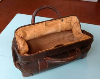 Vintage Leather Doctors/Gladstone Bag with Brass Fittings and Suede Inner Liner