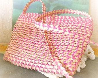 Bag in raffia braided origami style. Fushia and natural 80 s / bag raffia braided origami style. Fushia and natural 1980.