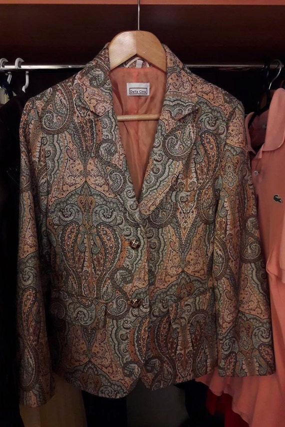 New   Vintage carpet style coat   amber buttons