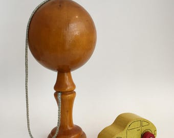 French Vintage Cup and Ball Wooden Toy Ball in a Cup / Bilboquet en Bois Vintage Jouet en Bois Ancien Français