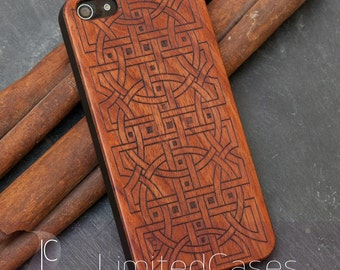 "Case for iPhone SE, 5, 5s with real rosewood Edition, laser-engraved ""Relations"""