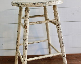 Vintage farmhouse stool/Vintage kitchen stool/Vintage wood stool/Farmhouse stool/Wood stool/Country stool