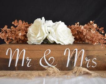 Rustic Wedding Cake Stand/ Wedding Cake Stand/ Rustic Cake Stand/ CakeStandForWeddings/ Wedding Centerpiece/ Wood Cake Stand/ Cake Stand