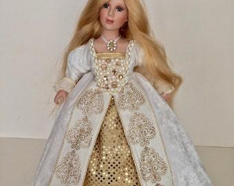 "16"" Queen Jane Seymour of England"