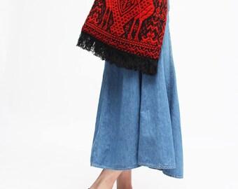 Ethnic shoulder Bag // loom made // naive pattern // fringe // hippie style