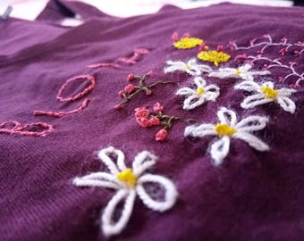 Hand-embroidered flowers t-shirt