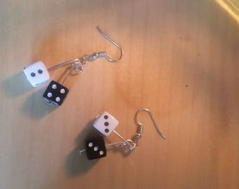 Dice earrings - black and white