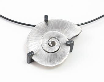 925 Silver studded necklace spiral shell