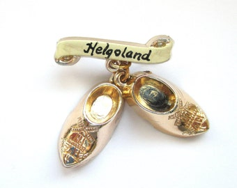 Helgoland Brooch Vintage Wood Shoes Hatpin Germany Dutch Brooch Gold Sabot Holland Netherlands Collectible Souvenir Jewelry 1960s Kitchy