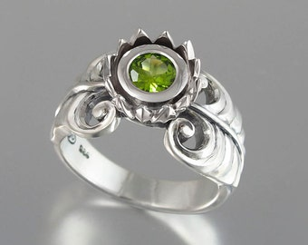 GREEN LOTUS silver ring with Peridot