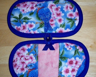 Finger Tip Oven Mitts, Pot Pinchers, Pot Holders, Blue Birds and Cherry Blossems, Insul-Brite Lined, Heat Resistant, Kitchen Decor
