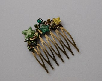 Forest Ivy Leaves Hair Comb -- Green Ivy Vine, Swarovski Crystals, Small Brass Comb, Antique Brass Wire Wrapped, Elven Hair Accessory