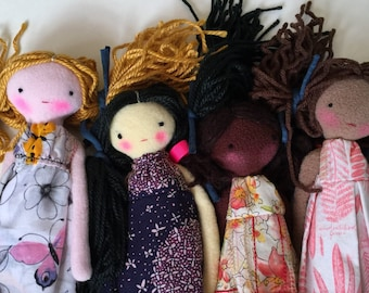 Set of 4 Multicultural Dolls, Friendship Without Bounds
