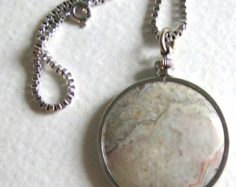 SALE - Vintage Jewelry - Agate Pendant - Silver Frame Coin Edge  - Sterling Box Chain 26 Inch - Silver Bezel -